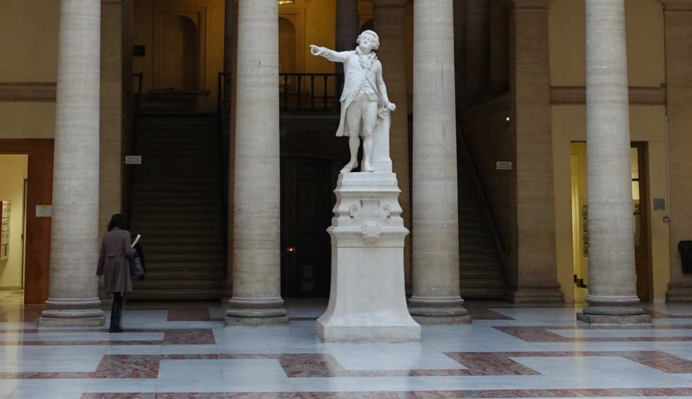 A Inspiring Story- the marble statue